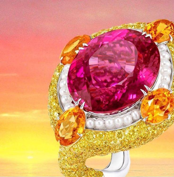 Anna's latest creation, Serpent Ring #newdesign #gold #annahu #annahuhautejoaillerie