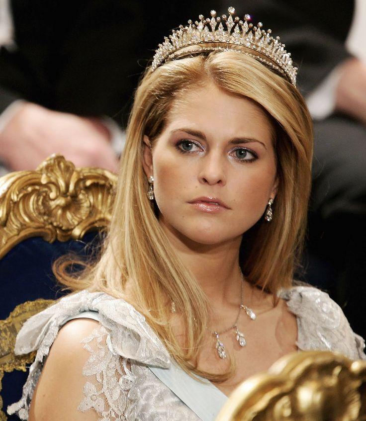 royal tiara Royal Families, Sweden, Fringes Tiaras, Princess Madeleine, Princesses Madeleine, Princesses Madeline, Crowns Jewels, Modern Princesses, Diamonds Fringes