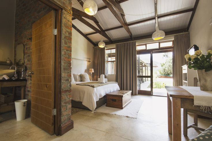 A Hilltop Country Retreat #Swellendam self-catering accommodation at it's best. 028 514 2294