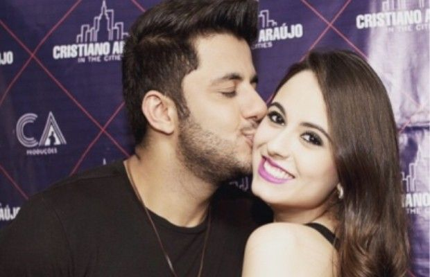Cristiano Araújo e a namorada, a estudante Allan Coelho, Goiânia, Goiás (Foto: Arquivo Pessoal)