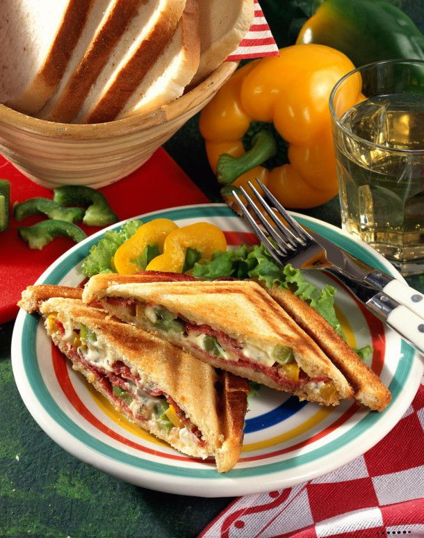 Unser beliebtes Rezept für Salami-Sandwich und mehr als 55.000 weitere kostenlose Rezepte auf LECKER.de.