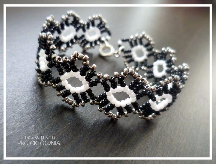 Koronka koralikowa. Bransoleta w klimacie nieco wiktoriańskim. Na bazie wzoru Sandry Halpenny. #bracelet #handmadejewellery #victorianstyle #victorianjewelry #vintage #sandrahalpenny