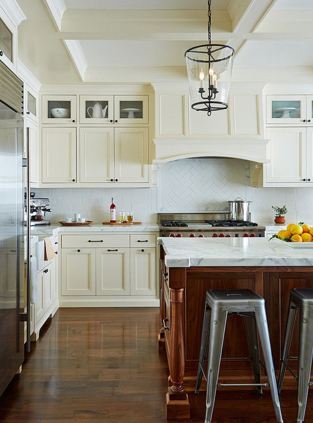Ideas For Kitchens With White Cabinets: 25+ Best Off White Kitchens Ideas On Pinterest