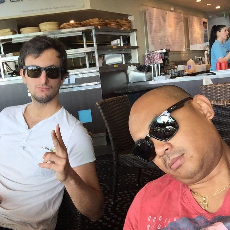 Matthias and I having Sunday breakfast at Gold Coast Surf Club