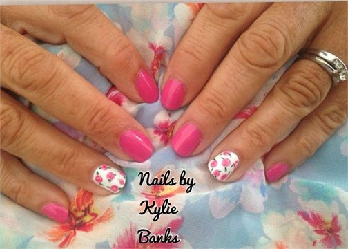 Day 179: Flower Accent Nail Art www.nailsmag.com