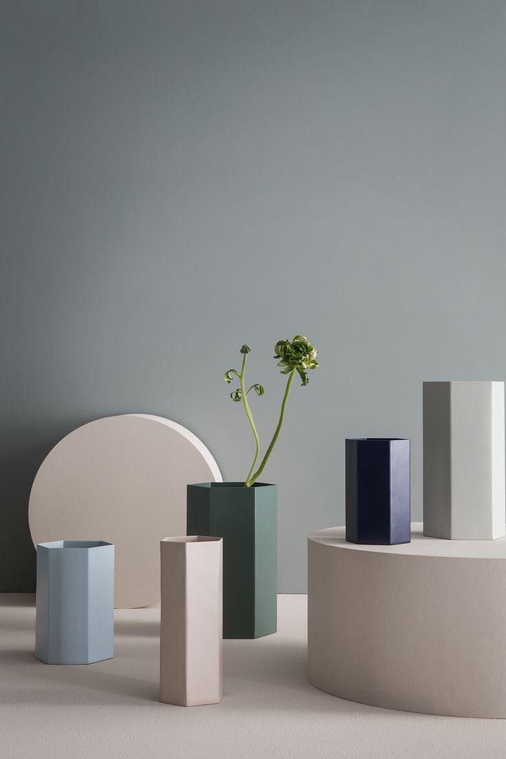 ferm LIVING SS16: Hexagon Vasen: Gefunden auf http://www.flinders.de/ferm-living-hexagon-vase-hellblau