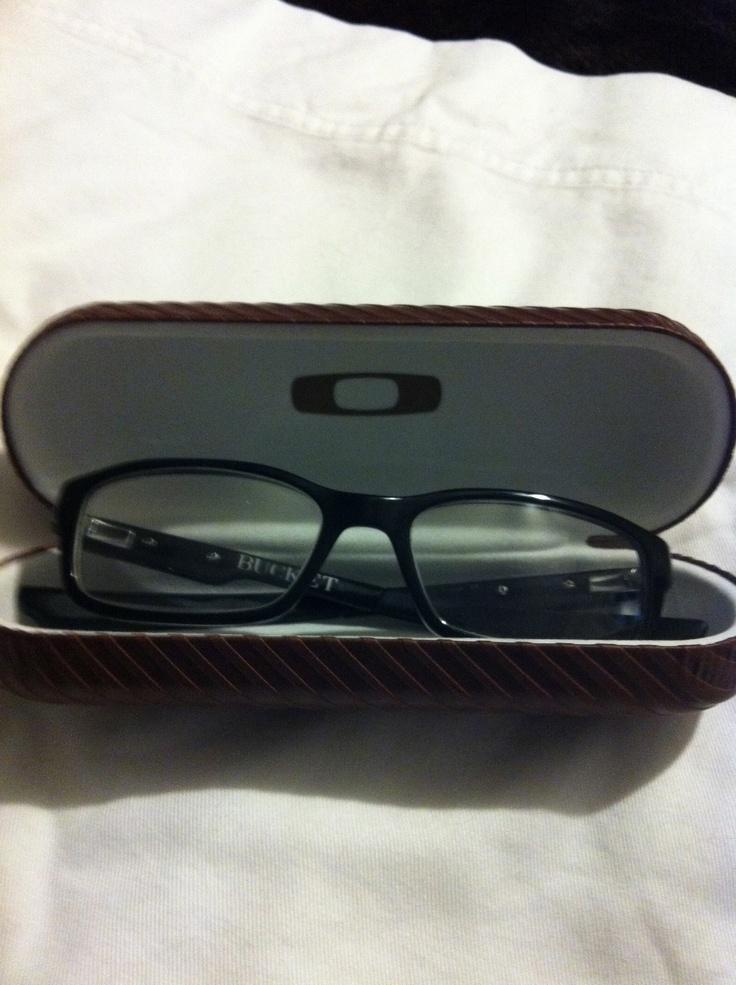 cheap genuine oakley sunglasses  oakley bucket eyeglasses with case for men genuine oakley