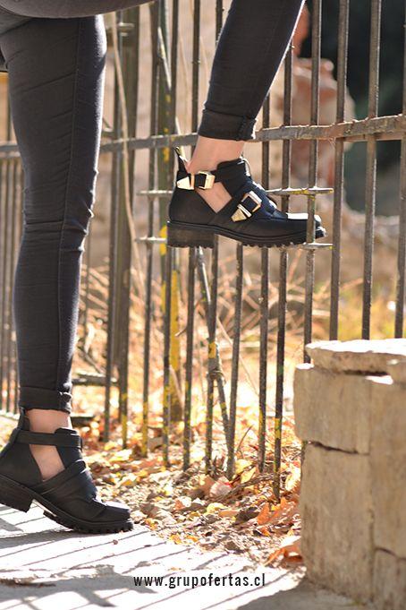 Cut Out Shoes negros
