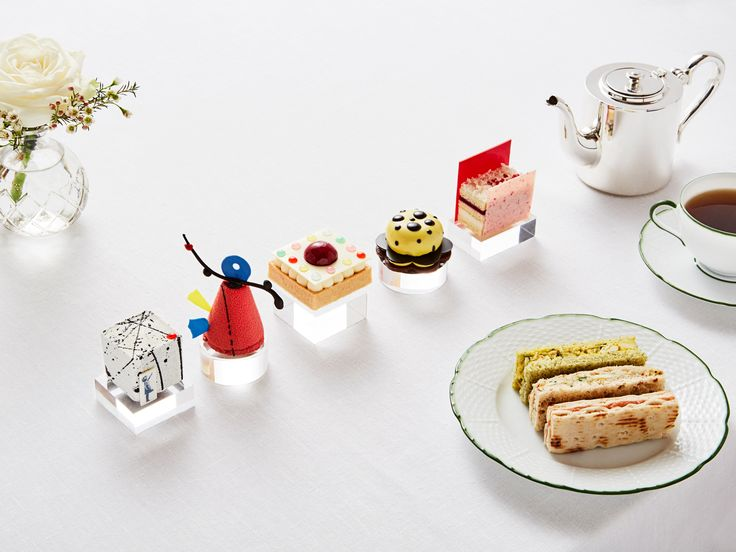 Modern Tart: The Rosewood London Offers High Tea Inspired by Banksy - Condé Nast Traveler