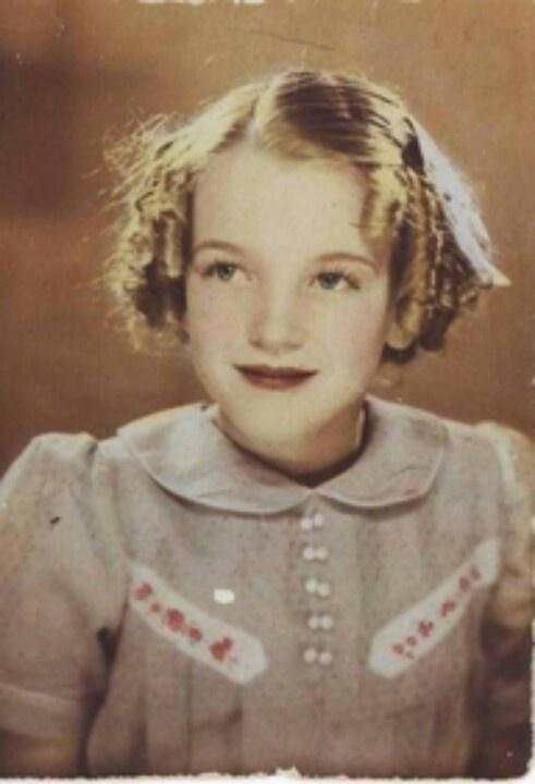 Norma Jean Baker (Marilyn Monroe) 1933