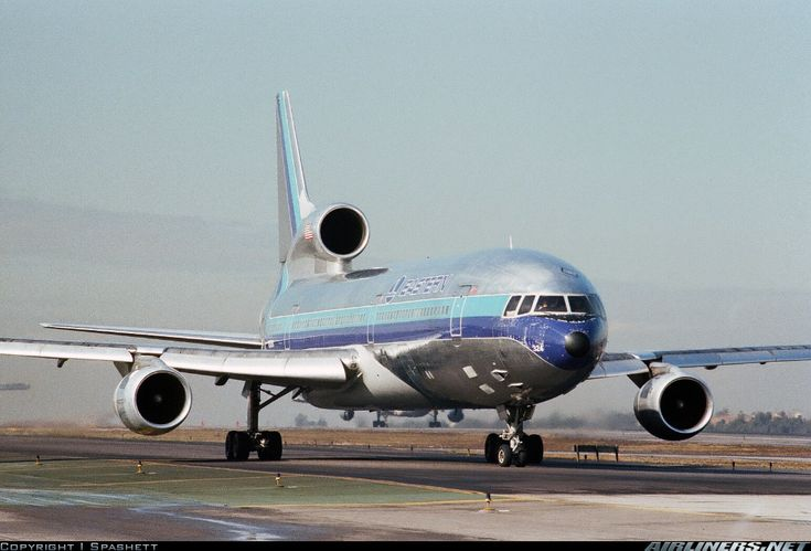 Eastern Airlines Lockheed L-1011-385-1 TriStar 1 ✈ | Follow civil aviation on AerialTimes. Visit our boards on pinterest.com/aerialtimes or like us on www.facebook.com/aerialtimes