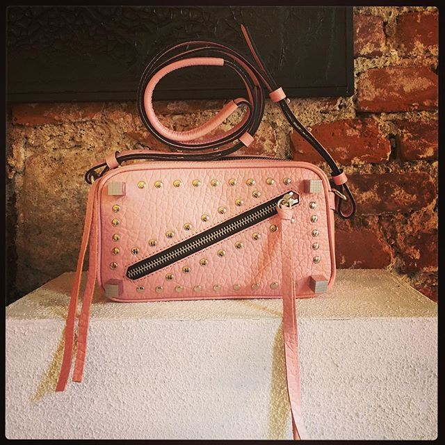@manurina fashionbags #bag @s2bpress #fashion #style #aw1718 #milanopressday #pink #minibag #colors  via COLLEZIONI MAGAZINE OFFICIAL INSTAGRAM - Celebrity  Fashion  Haute Couture  Advertising  Culture  Beauty  Editorial Photography  Magazine Covers  Supermodels  Runway Models
