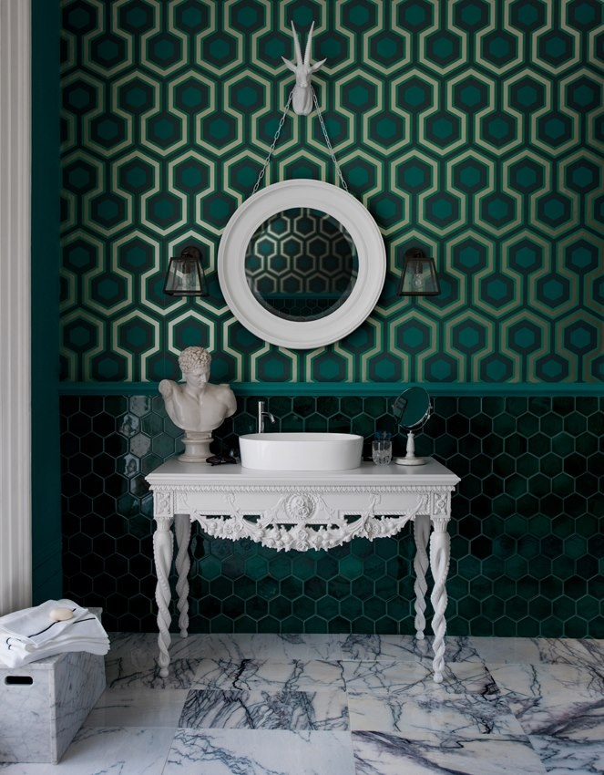 Green wallpaper and marble bathroom * Interiors Interiors Interiors * The Inner Interiorista