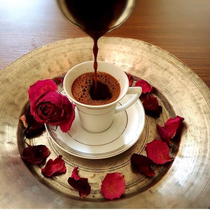 первые гифки с чашечкой кофе цветком и зимой нам