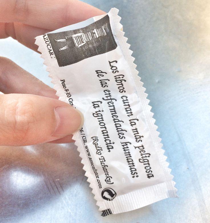 Mensajes en bolsitas de azucar