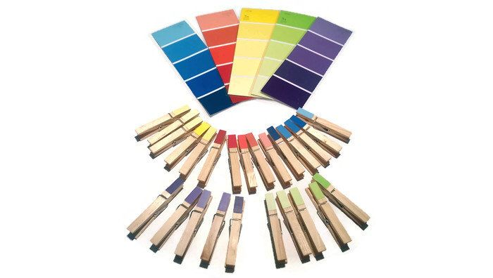 Matching color busy bag, Clothes pins and paint chips busy bag, learning color, toddler busy bag, fine motor skill, waldorf toys, kids gift, by Havingfunlearning on Etsy https://www.etsy.com/listing/212806870/matching-color-busy-bag-clothes-pins-and
