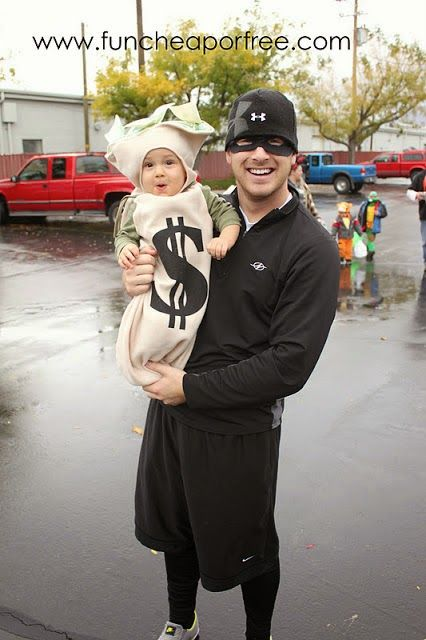 A Robber and A Bag of Money Halloween Costume. Mommy (Daddy) and Baby