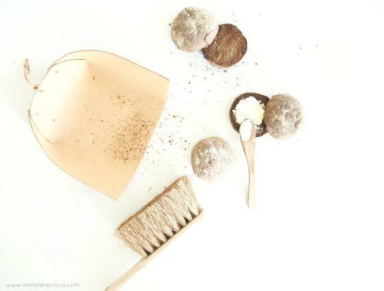 DIY leather dustpan (In Danish with English translation)