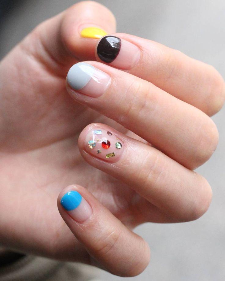 [#유니스텔라트랜드] ❤ #오늘네일뭐하지? #프렌치네일 #스톤네일 #거꾸로거꾸로 #unistella #daily_unistella #daily_uninails #frenchnails #stonenails #NOTD ✔유니스텔라 내의 모든 이미지를 사용하실때 사전 동의, 출처 꼭 밝혀주세요❤