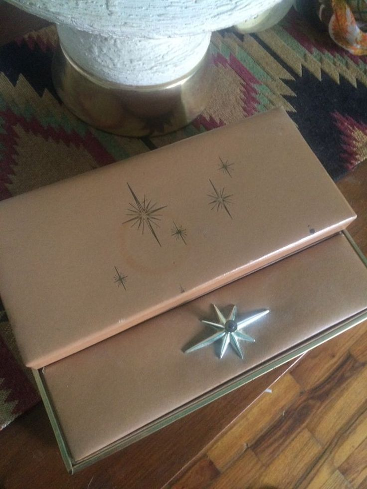 Mid century modern atomic jewelry box. True vintage beauty!