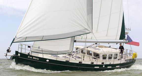 I think THIS is the boat I'd want for blue water cruising!! 50' Kanter Atlantic Pilothouse Cutter