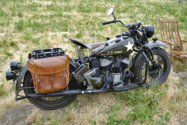 https://flic.kr/p/9MDvwo | U.S. Army Motorcycle | World War ll era U.S. Army Motorcycle at the 2011 Planes of Fame Airshow.