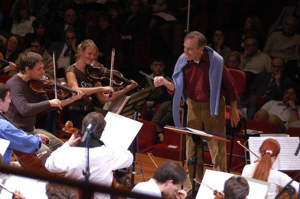 Claudio Abbado alla direzione dell'Orchestra Mozart - (Foto Raffaello Raimondi)