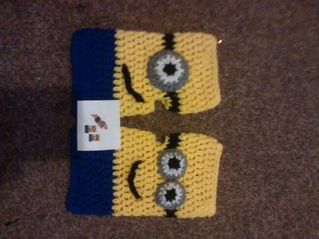 Minion gloves