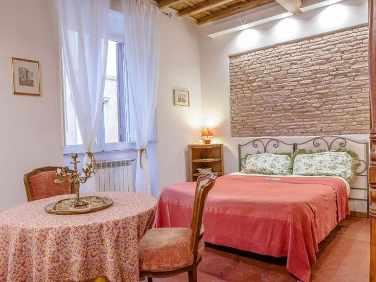 Top Location in the Historical Center of Rome Piazza Navona - Vatican; WiFi A/C. Take a romantic break and forget about the world you are leaving behind, en...