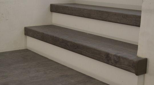 Een trap bekleden met tapijt
