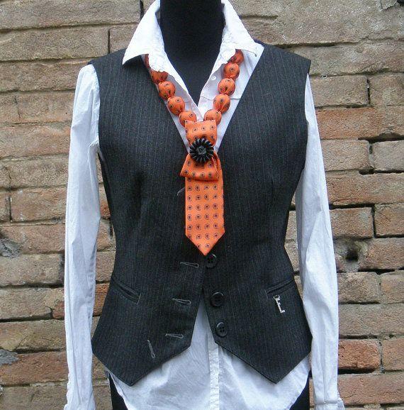 Cravate Orange-Collier
