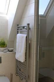 Bildresultat för liten toalett med snedtak