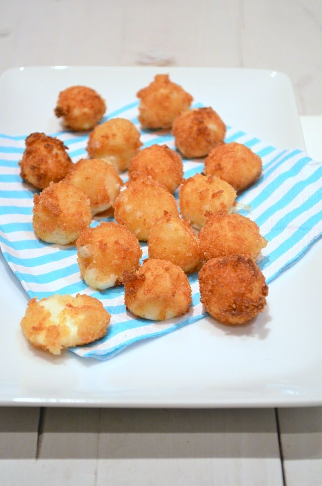 Gefrituurde mozzarella balletjes - Fried mozzarella #bites #snack