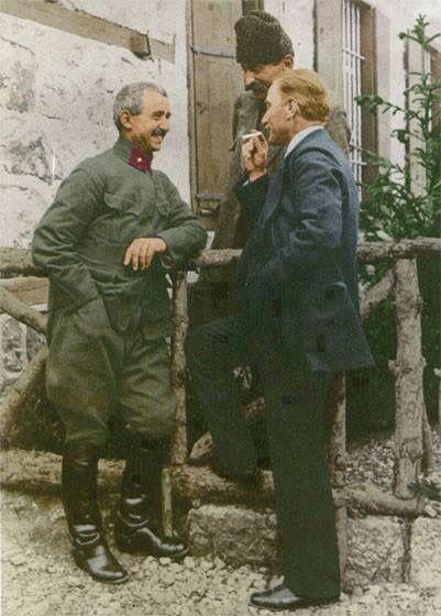 Atatürk ve Ismet İnönü