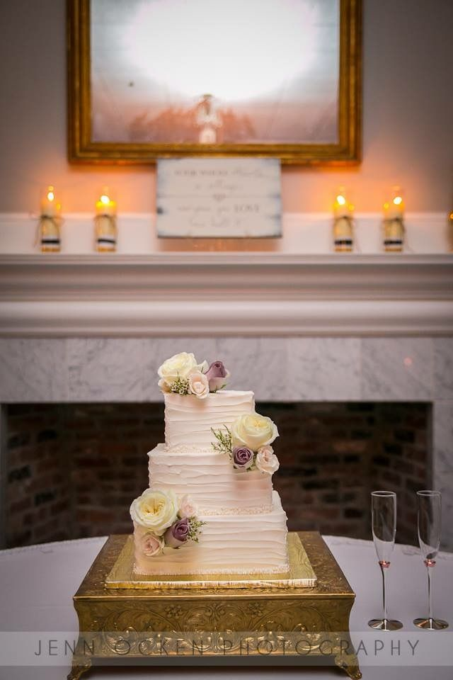 Square Wedding Cake With Fresh Roses Flowers