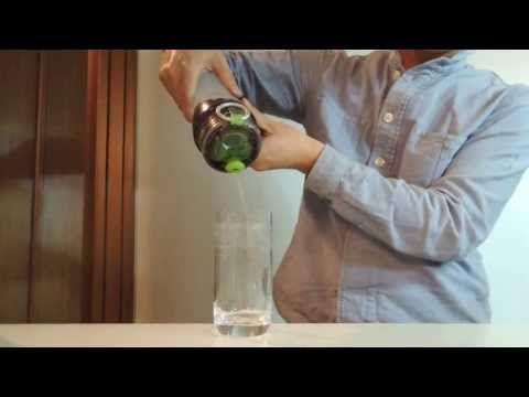 Asiático inventa filtro que separa a água de uma Coca-Cola - http://www.jacaesta.com/asiatico-inventa-filtro-que-separa-a-agua-de-uma-coca-cola/