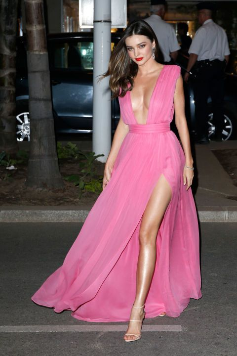 Miranda Kerr, our Cinderella from Gunnedah, wore a pink Grecian gown. WHERE IS HER OTHER LEG?