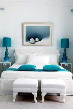 chambre blanche avec oreillers et lampes turquoise teal turquoise - Chambre Turquoise Et Blanche