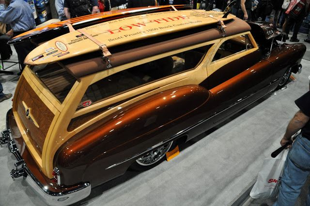 Beautiful Buick woody at SEMA