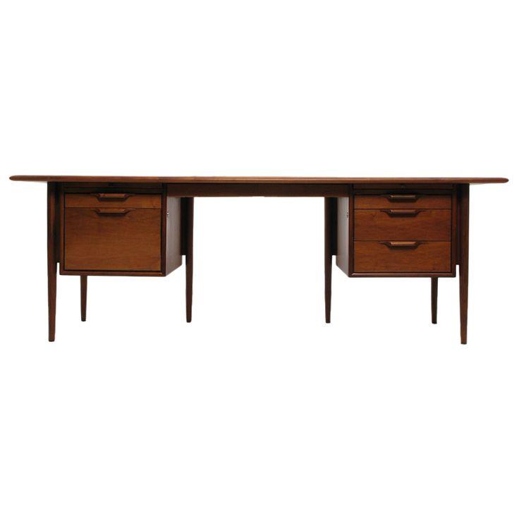 Stow Davis Walnut Executive Desk  Furniture CompaniesTable. 50 best Stow   Davis Furniture images on Pinterest
