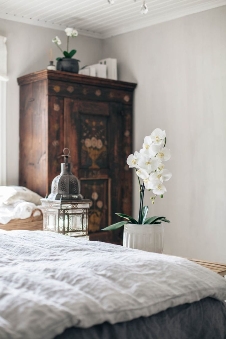 17 Best Ideas About Young Adult Bedroom On Pinterest