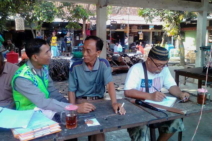 Tribratanewsmagelangkota.com – Bhabinkamtibmas Kelurahan Magersari Magelang Kota Jawa Tengah Ajun Inspektur Polisi Satu Sudibyo laksankan