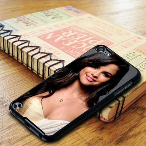 Selena Gomez Nice Smile Idol Star iPod 5 Touch Case