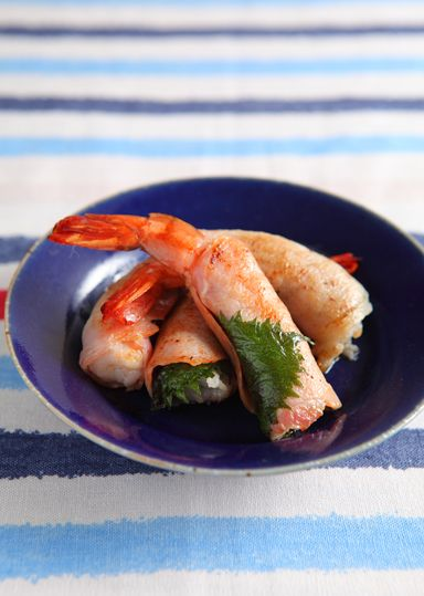 海老の生ハム巻き のレシピ・作り方 │ABCクッキングスタジオのレシピ ... 生ハムに味がすでについているので、味付け不要ですが、お好みで塩・黒胡椒を振ってもいいです。 大葉のかわりに、バジルでも美味しいです♪