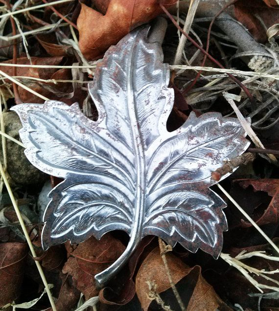 Vintage Stamping Maple Leaf White Metal Rusty Finding by paperink, $2.95