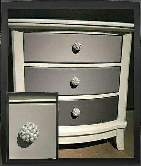 Kim from Country Rustic Decor Dixie Belle-ed this chest with  Fluff, Mason Dixon and Hurricane Gray mixes on the drawers. A great classic look!