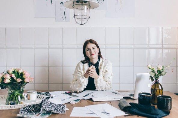 Nachhaltig Wohnen Zu Besuch In Aicha Rehs Holzhaus Das Onlinemagazin Fur Fempower Homestories Modedesign Design Design Wettbewerb
