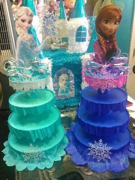 Frozen cup cake holders y los pueden poner en el centro de las mesas: