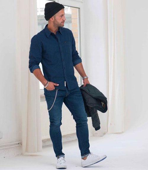 2015-11-10のファッションスナップ。着用アイテム・キーワードはシャツ, スニーカー, デニム, デニム・ダンガリーシャツ, ニットキャップ,etc. 理想の着こなし・コーディネートがきっとここに。| No:131250