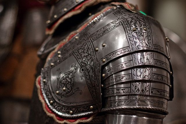 "swordreign: "" armor - shoulder detail | Rich """